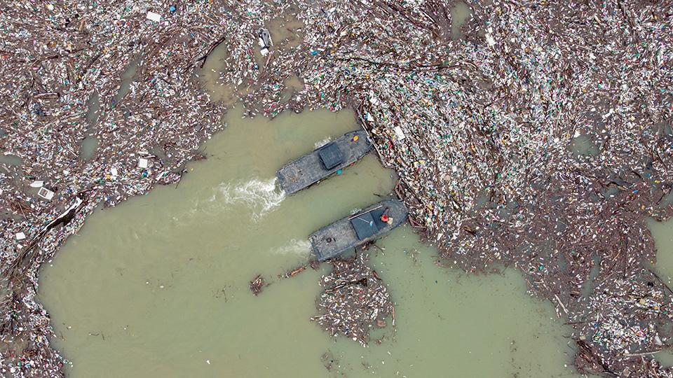 塞爾維亞開始清理污染的湖泊