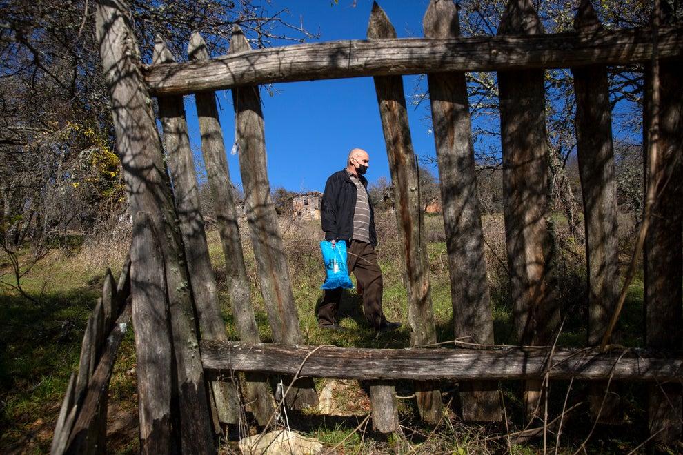 穆斯林照顧老年塞爾維亞人,科索沃族裔鴻溝得到緩解