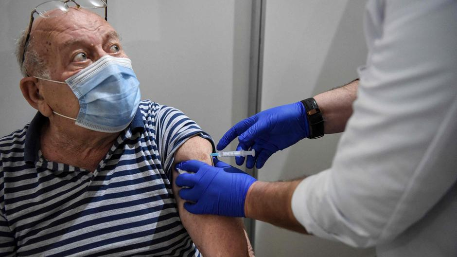 塞爾維亞如何成為歐洲疫苗冠軍?在朋友的幫助下